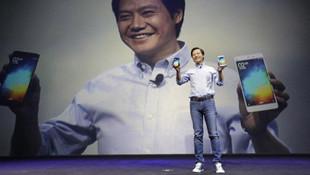 Xiaomi'nin CEO'su iPhone kullanırken yakalandı