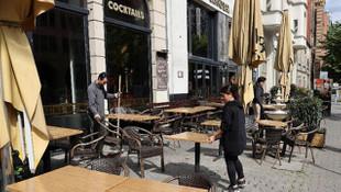 Almanya'da kafe ve restoranlar yeniden açılıyor