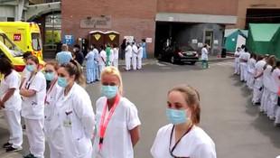 Sağlık çalışanları Başbakanı böyle protesto etti