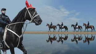 Topkapı Sarayı'nın atlı birlikleri Kilyos sahiline gönderildi