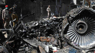 Pakistan düşen uçakla ilgili skandal! Uyarıları dikkate almamış