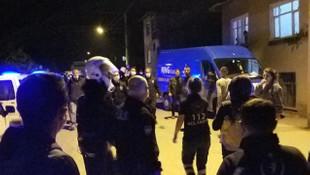 Alkollü muhtar hamile kadını tekmeleyip polise saldırdı!
