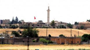 Tel Abyad'da Türk bayrakları dalgalanıyor!