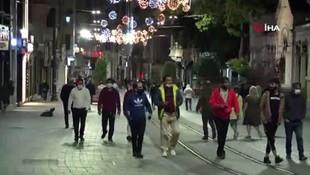 Kısıtlama bitti, Taksim'de hareketlilik başladı