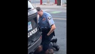 ABD'de polisin öldürdüğü gencin ailesi: Hayvanlardan beter muamele gördü