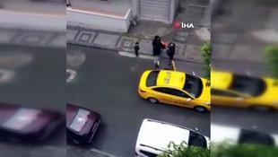 Bu nasıl insanlık!  Taksici doğum yapan kadını araçtan attı