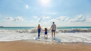 Herkesin aklındaki soru yanıtlandı: 18 yaş altı tatile gidebilecek mi ?