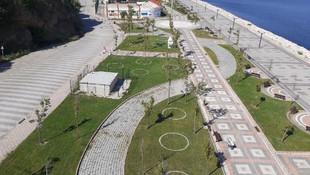 Park ve bahçelere sosyal mesafe çemberi