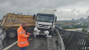 TEM'de trafiği kilitleyen kaza!