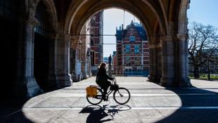 Hollanda'da koronavirüsten 36 kişi daha hayatını kaybetti