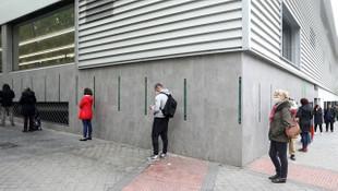 İspanya'da OHAL 24 Mayıs'a kadar uzatıldı