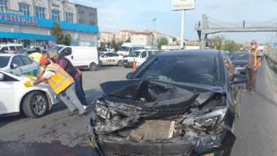 Zincirleme kaza: 8 araç birbirine girdi
