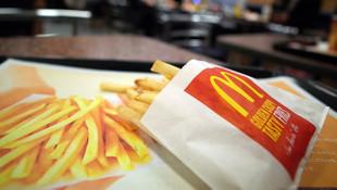 Fast food devinden çalışanlarına ''korona'' jesti