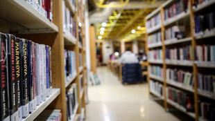 Skandal iddia! Şort giydiği için kütüphaneye alınmadı!
