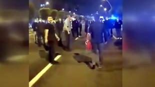 AK Parti önünde 15 Temmuz gazilerine polis müdahalesi
