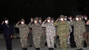 Milli Savunma Bakanı Akar ve TSK komutanları Pençe-Kaplan şehidini uğurladı