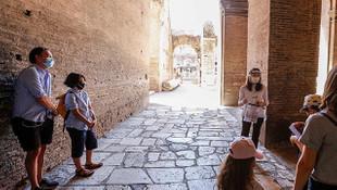 İtalya'da son 24 saatte 318 kişi daha koronovirüse yakalandı