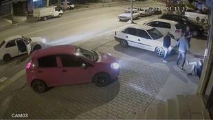 Kick boksçu, trafikte tartıştığı 3 kişi böyle yere serdi!