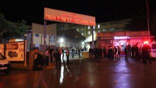 Hastane önünde çatışma: Ölü ve yaralılar var!