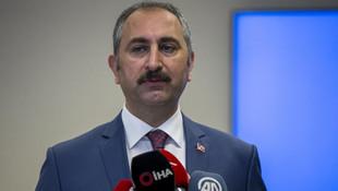 Bakan Gül'den baro başkanlarının yürüyüşüne tepki
