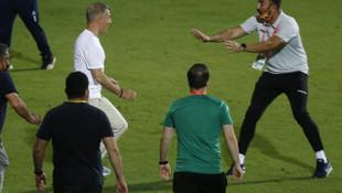 Ahmet Ağaoğlu sahaya indi!