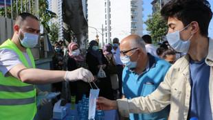 Kartal Belediyesi'nden YKS öncesi adaylara su, maske ve kKolonya