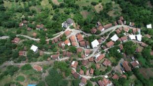 Tedbirler işe yaradı, koronavirüs bu köye giremedi!