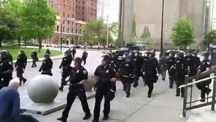 ABD'de polisin yaşlı adama şiddeti kamerada!