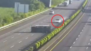 Tesla otomobilin yaptığı kaza olay oldu!
