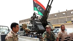 Kaddafi'nin memleketine operasyon başlatıldı
