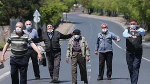 65 yaş üstü vatandaşların sokağa çıkma izni başladı