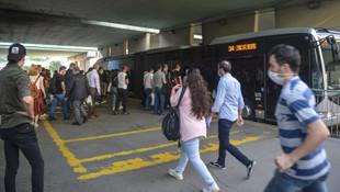 Metrobüslerde Pazartesi yoğunluğu