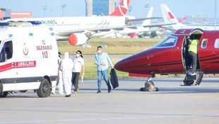 Bakü'deki kanser hastası ambulans uçakla İstanbul'a getirildi