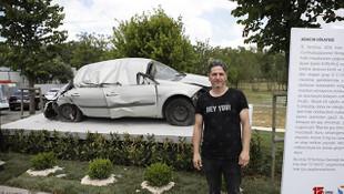 15 Temmuz'da tankın ezdiği otomobil sergilenmeye başlandı