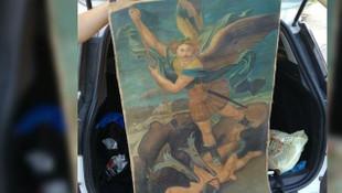İstanbul'da sahte ''Şeytanla Savaşan Mikail'' tablosu ele geçirildi