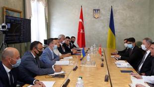 Bakan Akar'dan, Ukrayna'da önemli görüşme