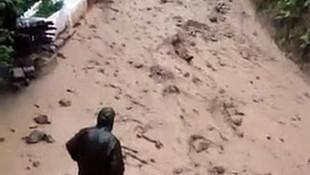 Rize'de sel felaketi! Sel sularına kapılmaktan son anda kurtuldu!