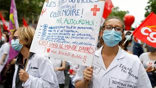 Fransa'da sağlık çalışanlarına ''tarihi'' zam