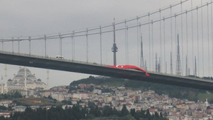 15 Temmuz Şehitler Köprüsü'ne dev Türk bayrağı