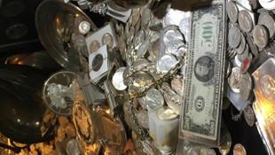 1 milyon dolarlık mücevheri gömdü, müşterilerine harita olarak sattı