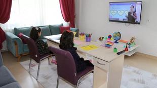 EBA TV'de İngilizce yaz okulu dersleri başladı