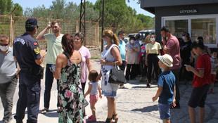 Binlerce kilometre uzaktan gelen tatilciler kapıda kaldı
