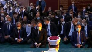 Ayasofya Camii'nde tarihi gün: 86 yıl sonra namaz kılındı
