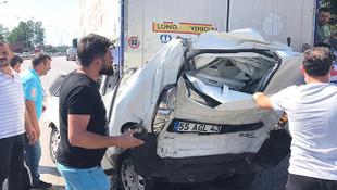 Bir araç iki TIR arasında kaldı: 1 ölü, 1 yaralı
