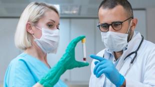 Bilim insanları uyardı: ''Koronavirüs daha bulaşıcı hale geldi''