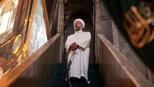 Ayasofya'da Erbaş Bayram namazında da minbere kılıçla çıktı