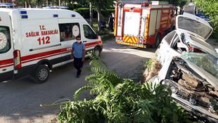 Karaman'da otomobil ağaca çarptı: 2 yaralı