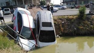 Gelin arabası ile arazi aracı çarpıştı: 4 yaralı