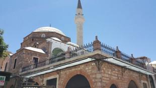 Yine İzmir yine provokasyon! Bu sefer de camiden Müslüm Gürses çaldılar