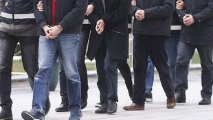 İzmir merkezli FETÖ operasyonu: 16 gözaltı